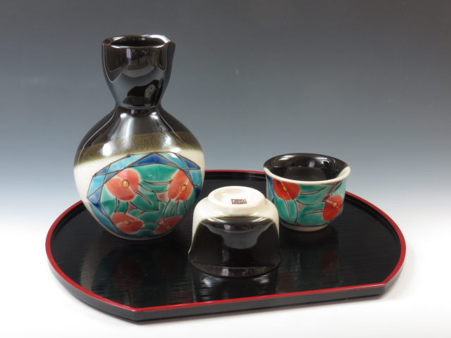 Japanese porcelain sake serving set with a tray (Kutani-Yaki)